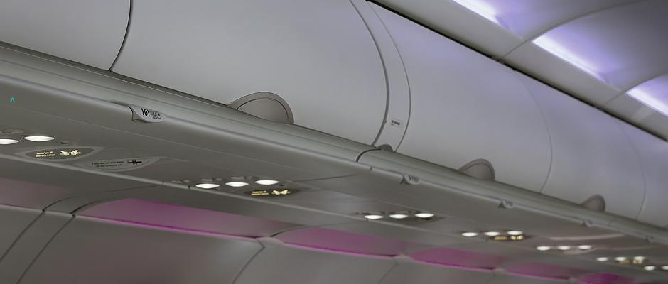 Staufächer im Flugzeug